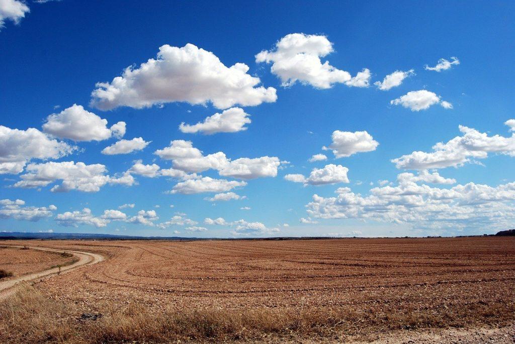 cielo azzurro nuvole